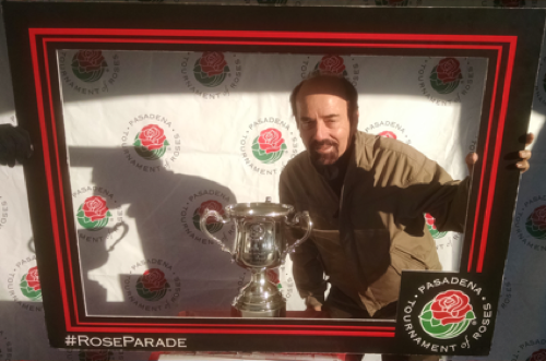 Love Chef with trophy for best float 2017 Rose Bowl Parade